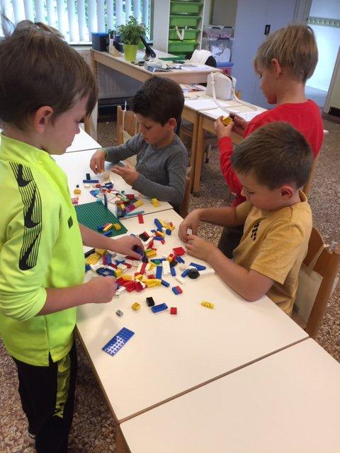 Wij maken een maquette van onze klas